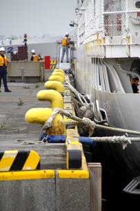 係留中の巡視船の写真素材 [FYI00396365]