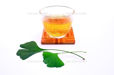 イチョウの葉茶の写真素材 [FYI00397713]