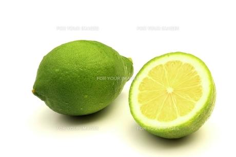グリーンレモンの写真素材 [FYI00398438]