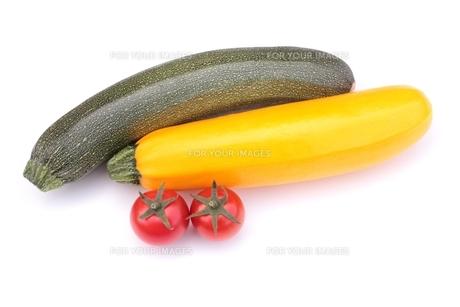 ズッキーニとトマトの素材 [FYI00398857]