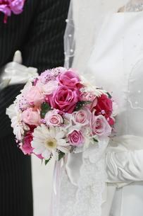 花嫁が持つブーケの素材 [FYI00399238]