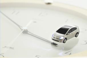エコカーと時計の写真素材 [FYI00399641]
