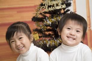 笑顔の子供たちの写真素材 [FYI00403667]