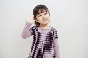 笑顔の女の子の写真素材 [FYI00403685]