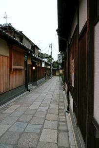 石塀小路の佇まいの写真素材 [FYI00404607]