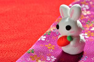 紙粘土で作ったうさぎの人形の写真素材 [FYI00405160]