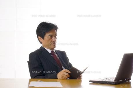 ビジネスマンのポートレートの写真素材 [FYI00405187]