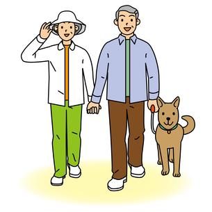 散歩するシニア夫婦の写真素材 [FYI00405490]
