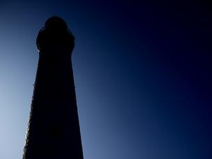 灯台のシルエット2の写真素材 [FYI00407471]