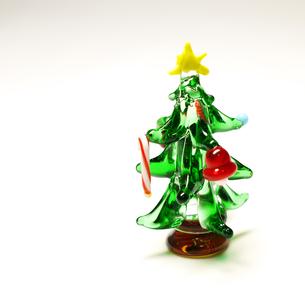 ガラスのクリスマスツリーの写真素材 [FYI00407520]