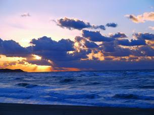 夕刻の海1の写真素材 [FYI00407584]