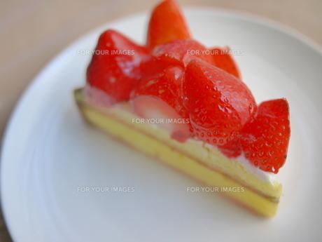 イチゴのタルト2の写真素材 [FYI00407601]