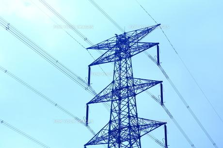 高圧線の鉄塔の素材 [FYI00408028]