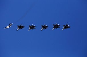 F-15 戦闘機編隊飛行の素材 [FYI00408058]