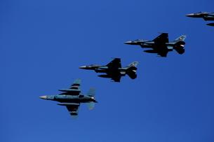 F-2 戦闘機 編隊飛行の素材 [FYI00408079]