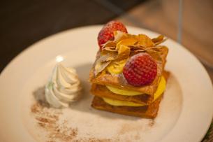 イチゴケーキの写真素材 [FYI00408122]