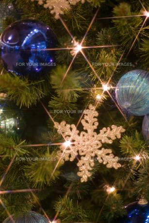 クリスマスリース縦の写真素材 [FYI00408290]