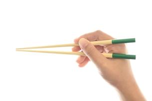 箸を持つ手の素材 [FYI00410719]