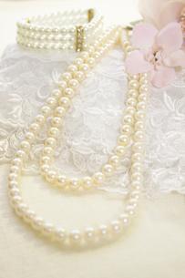 真珠のネックレスの写真素材 [FYI00410865]
