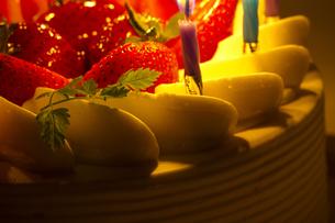 バースデーケーキの写真素材 [FYI00410896]