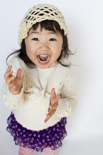 笑顔の女の子の写真素材 [FYI00411076]