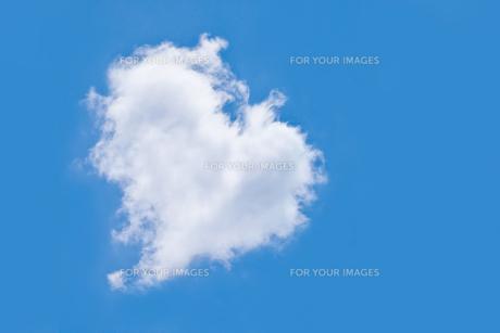 ハートの雲の素材 [FYI00411559]