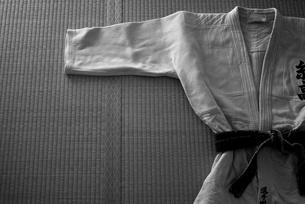 柔道着と畳の写真素材 [FYI00411663]