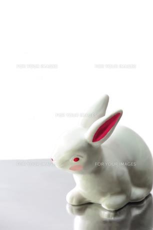 ウサギの置物の素材 [FYI00411832]
