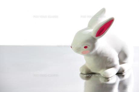 ウサギの置物の素材 [FYI00411848]