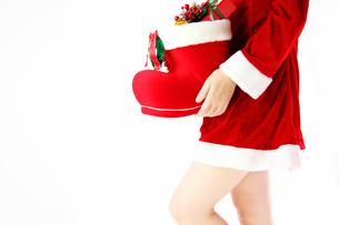 クリスマスサンタブーツとプレゼントの写真の写真素材 [FYI00412156]
