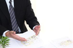 建設住宅営業ビジネス訪問セールスの写真の写真素材 [FYI00412245]