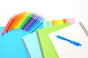 カラーコーディネートデザインワークの写真の写真素材 [FYI00412318]