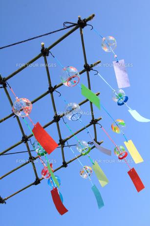 ガラスのカラフルな和の風鈴の写真の素材 [FYI00412348]