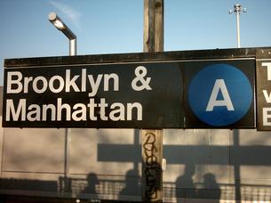 ニューヨーク 地下鉄Aラインの写真素材 [FYI00412898]