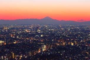 池袋と富士山の写真素材 [FYI00412932]