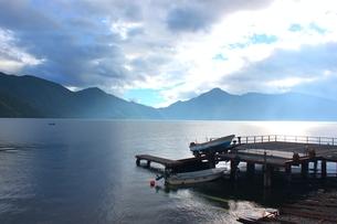 中禅寺湖の写真素材 [FYI00412936]