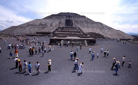 太陽のピラミッドの写真素材 [FYI00413289]