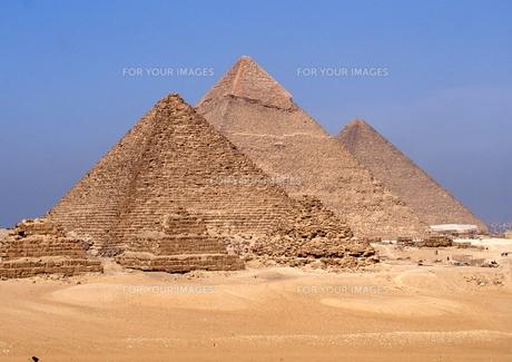 ギザのピラミッドの写真素材 [FYI00413468]