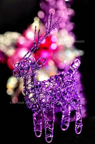 クリスマストナカイオーナメントの写真素材 [FYI00414082]