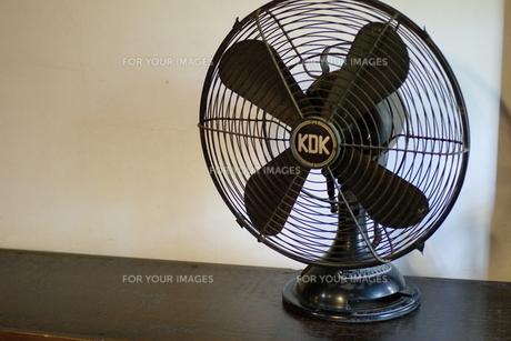 レトロな扇風機の写真素材 [FYI00415100]