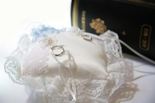 結婚指輪の写真素材 [FYI00415126]