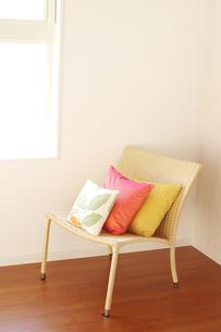 窓辺の椅子の素材 [FYI00415456]