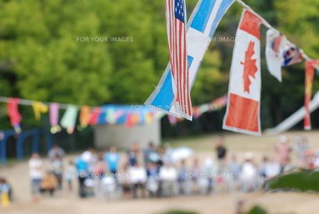 万国旗と運動会の写真素材 [FYI00415766]