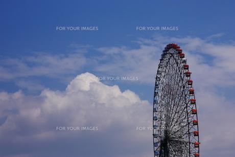 空と観覧車の写真素材 [FYI00415779]