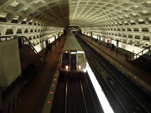 ワシントンDC地下鉄ブルーラインの写真素材 [FYI00416041]