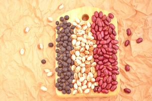 豆3種類[横]の写真素材 [FYI00416326]