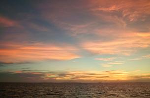 海の夕景の素材 [FYI00416992]