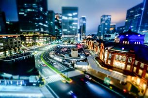 東京駅の夜の写真素材 [FYI00417134]