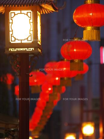 中華街 提灯と街灯の素材 [FYI00417248]