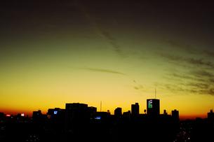 琥珀時の夕暮れの写真素材 [FYI00417696]